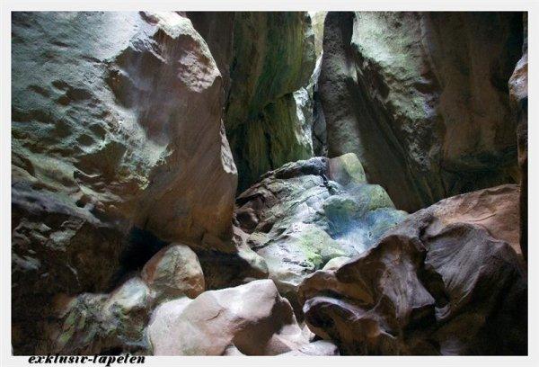L wallpaper Cave 3 x 2,5 Meter (150g Vlies)